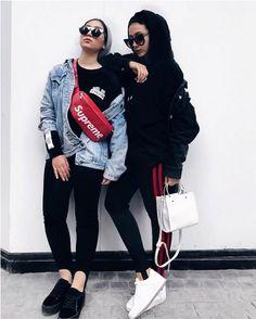 waist bag with turban style-Christmas hijab casual wear – Just Trendy Girls Hijab Casual, Hijab Style, Hijab Chic, Hijab Outfit, Casual Wear, Turban Style, Modern Hijab Fashion, Street Hijab Fashion, Muslim Fashion
