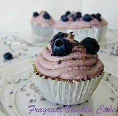 more cupcake possibilities Healthy Vegan Desserts, Raw Desserts, Raw Vegan Recipes, Paleo Dessert, Raw Cake, Vegan Cake, Yummy Treats, Sweet Treats, Paleo Cupcakes