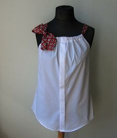 This upcycled dress shirt is a fantastic idea. You can take any unused dress shirt and necktie and create a fabulous new tank top. Click the link for the tutorial. Diy Clothes Refashion, Shirt Refashion, Recycled Mens Shirt, Upcycled Shirts, Upcycled Crafts, Upcycled Clothing, Hijab Mode, Shirt Diy, Shirt Makeover