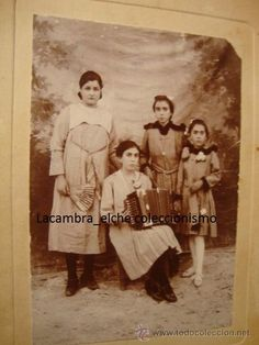 ANTIGUA FOTOGRAFIA ORIGINAL ALBUMINA, P.P.S.XX O F.F.S.XIX CA.1895 ACORDEON
