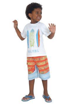 Camiseta de meia malha estampada. Referência: 1274 Bermuda d'água estampada com cós em elástico. Referência: 1273