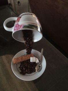 Zwevend kopje koffie 2