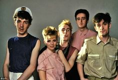 Glasgow band Altered Images: Six Top 40 singles and three Top 30 albums in the UK between 1981 and Scottish Bands, 80s Pop, Altered Images, Post Punk, World Music, Alters, Punk Rock, Music Videos, Waves