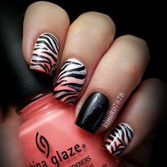 I looooove animal print nails