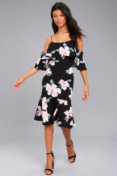 We can t get enough of the Extra Love Black Floral Print Off-the-Shoulder  Dress! A textured 951fc369b