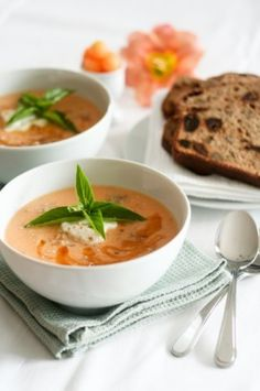 Chilled Cantaloupe Soup | The Healthy Foodie