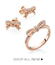 Studs bow rose gold earrings and ring from pandora.  Love it, want it!!!!!