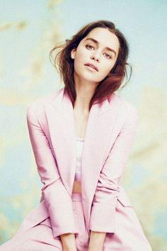 Emilia Clarke Hot, Emelia Clarke, British Actresses, Actors & Actresses, Daenerys Targaryen, Khaleesi, Bikini For Curves, Girls In Panties, Girl With Curves