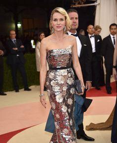 Met Gala 2016, Naomi Wattsin a Burberry dress, Fred Leighton jewelry, and Rauwolf bag