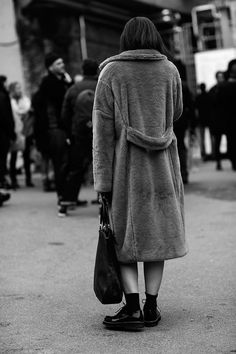 Fur coat + black docs + socks - The Sartorialist - The Fortezza, Florence The Sartorialist, Spring Summer Fashion, Winter Fashion, Vogue, Winter Stil, Models, Mode Inspiration, What To Wear, Style Me