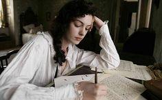 Resultado de imagen de chica escribiendo carta