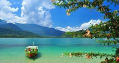 Seja por seu charmoso Centro Histórico ou por suas praias parasidíacas, Paraty vai te conquistar!