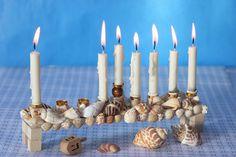 Hanukkah Crafts, Jewish Crafts, Hanukkah Menorah, Hannukah, Holiday Crafts, Holiday Ideas, Art Auction Projects, Jewish Celebrations, Valentines Day Holiday