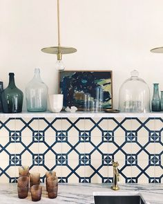 geometric patterned kitchen backsplash