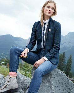 Our J.Crew women's signature blazers pull together your outfit so fast, it's almost like cheating… but totally not. Find what fit is right for you at jcrew.com.