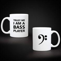Kubek basisty - Trust Me I Am A Bass Player - Kubki, koszulki z nadrukiem Trust Me, Amalfi, Thats Not My, Mugs, Tableware, Dinnerware, Tumblers, Tablewares, Mug