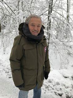 Karel Gott, December 2018 Gott Karel, Canada Goose Jackets, December, Winter Jackets, Fashion, Winter Coats, Moda, Winter Vest Outfits, Fashion Styles
