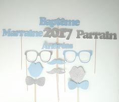 Lot de photobooth baptême enfant- personnalisé prénom-parrain marraine - Bleu et gris argenté pailleté   Pour des photos rigolotes qui compléteront votre album souvenirs   - 19851686