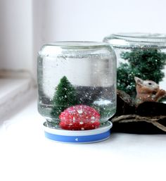 DIY snow globes for a fun Christmas craft with the kiddos.