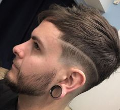 Top 10 Trendy Haircuts for Men to Try This 2017 from Men's Stylist Trendy Mens Haircuts, Hot Haircuts, Best Short Haircuts, Stylists, Rings For Men, Hair Cuts, Hair Styles, Tops, Fashion