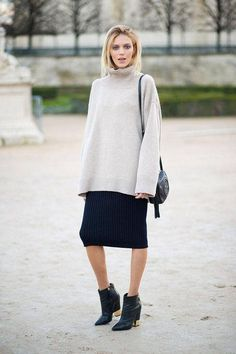 Get 20 cute winter outfits idea, including Anja Rubik's cozy turtleneck and skirt combo