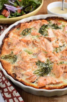 Slimming Eats Low Syn Salmon and Broccoli Quiche with Sweet Potato Crust - Slimming World and Weight Watchers friendly Salmon Recipes, Fish Recipes, Seafood Recipes, Cooking Recipes, Healthy Recipes, Salmon And Broccoli, Broccoli Quiche, Keto Quiche, Stay Fit