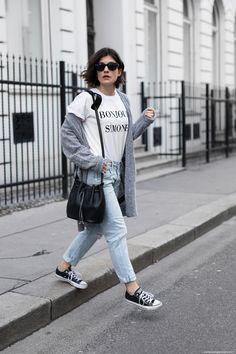 Cosy Cardigan & Boyfriend Jeans I More on viennawedekind.com