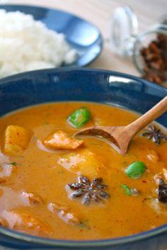 Massaman Curry- my favorite thai cuisine entree Chicken Massaman Curry, Beef Curry, Curry Soup, Thai Chicken, Soup Recipes, Chicken Recipes, Cooking Recipes, Recipies, I Love Food
