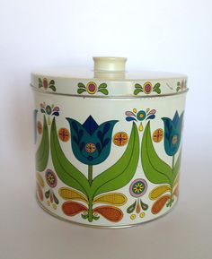 Bisquick Tin Mod Tulip Pattern Recipes Large by trailsofthewest