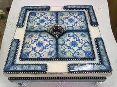 Azulejos Diy, Decoupage Box, Altered Boxes, Mixed Media, Decorative Boxes, Interior Design, Suitcases, Painting, Morocco
