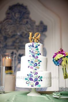 Peacock wedding ideas. peacock cake - Erica Obrien Cake Design
