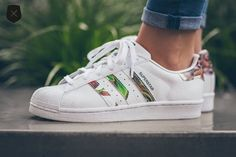 Adidas Superstar W Floral Stripes