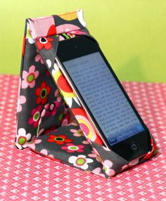 I Pod Touch Case Stand