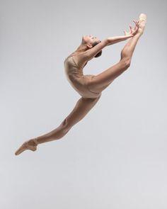Ballet Art, Ballet Dancers, Ballerinas, Ballet Pictures, Dance Pictures, Ballet Drawings, Eye Drawings, Ballet Dance Photography, Pose Reference Photo