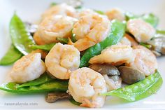 Shrimp with Snow Peas Recipe | Easy Asian Recipes at RasaMalaysia.com- shrimp, snow peas, mushrooms, ginger,  oil, sesame oil,  water,corn starch, chinese cooking wine, white pepper powder