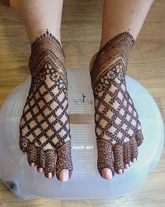 Henna Hand Designs, Dulhan Mehndi Designs, Mehandi Designs, Mehndi Designs Finger, Wedding Henna Designs, Engagement Mehndi Designs, Mehndi Designs Feet, Latest Bridal Mehndi Designs, Stylish Mehndi Designs