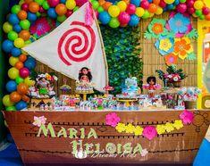 Quem disse que festa no Shopping não pode ser linda?..Olha aí a Moana que fizemos ontem no Shopping Ponta Negra para comemorar os 5 aninhos da linda Maria Heloísa!!!! Ficou um encanto!!! Decoração: João e Maria Festas. Bolo, cupcakes, cookies. Brownies e docinhos decorados: @docedia ; Guloseimas: João e Maria Festas e Mamãe Jéssica; Balões: @bentes.eduardo ; Buffet infantil: João e Maria! Fotos gentilmente cedidas: @dreamskidsfotoinfantil . #joaoemariafestas #festamoana #minifestajoaoemaria… Moana Birthday Party Theme, Moana Themed Party, Moana Party, Birthday Backdrop, 4th Birthday Parties, Birthday Decorations, 2nd Birthday, Festa Moana Baby, Moana Bebe
