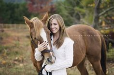 © Lane Weichman Photography | Alabama portrait photographer, photoshoot with horse, horse pictures