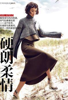 беж юбка+серый свитер+цветы украшения