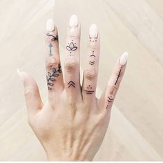 24 Top Amazing Ideas For Finger Tattoos Finger Tattoo Finger Tattoo Designs, Small Finger Tattoos, Finger Tats, Henna Tattoo Designs, Tattoo Finger, Tattoo Ideas, Small Tattoos On Hand, Simple Finger Tattoo, Small Tats