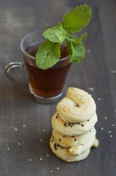 foodwanderings: Savory Sesame & Fennel Cookies - Ka'ach & A Tahini, Yogurt Herb Dipping Sauce Real Food Recipes, Yummy Food, Sauce Recipes, Greek Cookies, Holiday Bread, Mini Pastries, Fennel Recipes, Healthy Dishes, Molecular Gastronomy