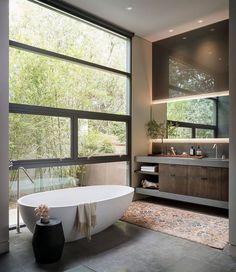 Graham Architecture has designed this serene midcentury modern residence located in the Woods Cove neighborhood of Laguna Beach, California. Japanese Bathtub, Best Bathtubs, Modern Bathtub, Outdoor Bathrooms, Small Bathroom, Bathroom Ideas, White Bathrooms, Bathroom Goals, Luxury Bathrooms