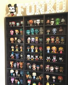 My dream bedroom has to have a place to display my geeky knick knacks and funko pops Funko Pop Shelves, Funko Pop Display, Pop Vinyl Figures, Funko Pop Figures, Pop Disney, Pop Figurine, Funk Pop, Disney Rooms, Pop Toys