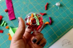Knotty T-Shirt Ball Ornament // Christmas Ornament made with upcycled t-shirts #reuse #eco #holiday #craft
