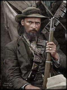 The grim determination of the Boers shows in the face of this fighter, circa Ww1 History, Military History, African Culture, African History, South African Flag, Dad's Army, War Novels, British Armed Forces, Military Special Forces