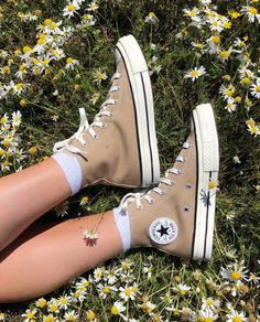Mode Converse, Converse All Star, Dr Shoes, Hype Shoes, Sock Shoes, Me Too Shoes, Aesthetic Shoes, Beige Aesthetic, Designer Shoes