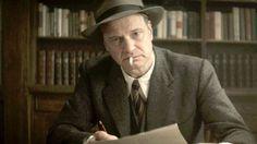A biografia Max Perkins: Um Editor de Gênios (Max Perkins: Editor of Genius) , do autor A. Scott Berg , foi adaptada para o cinema. O lançam...