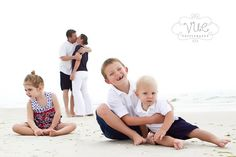 30 Lovely Beach Family Photos