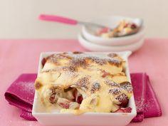 Dieser süße Auflauf ist einfach ein Traum. perfekt als süße Hauptspeise oder Dessert. Rhabarber-Erdbeer-Auflauf - smarter - Zeit: 30 Min. | eatsmarter.de