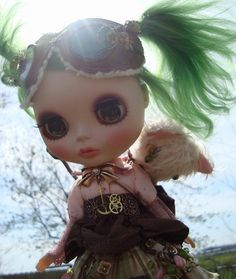 Steampunk meets Green hair. LOVE.